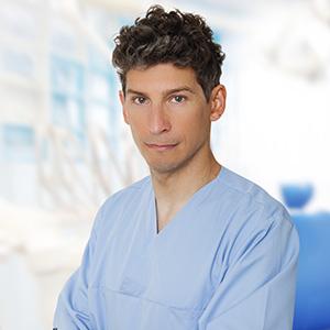 maciej-raczkiewicz-chirurg-stomatologiczny